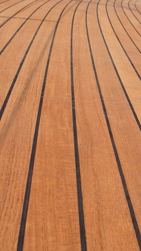 az új teakfa fedélzet színe